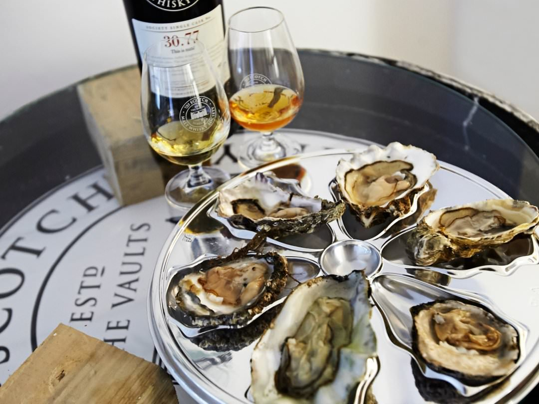 Whiskey-and-oyster-event-43